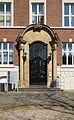 Portal des Universitätsgebäudes an der Kerpener Straße 30.jpg