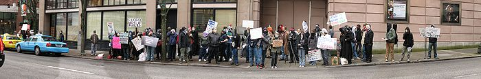 PortlandScientologyProtest15March2008 Panorama02.jpg