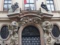 Praha, Thun-Hohenštejnský palác, portál, detail.JPG