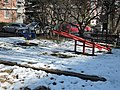 Praha, Veleslavín, Na Petřinách, hřiště, zima 01.jpg