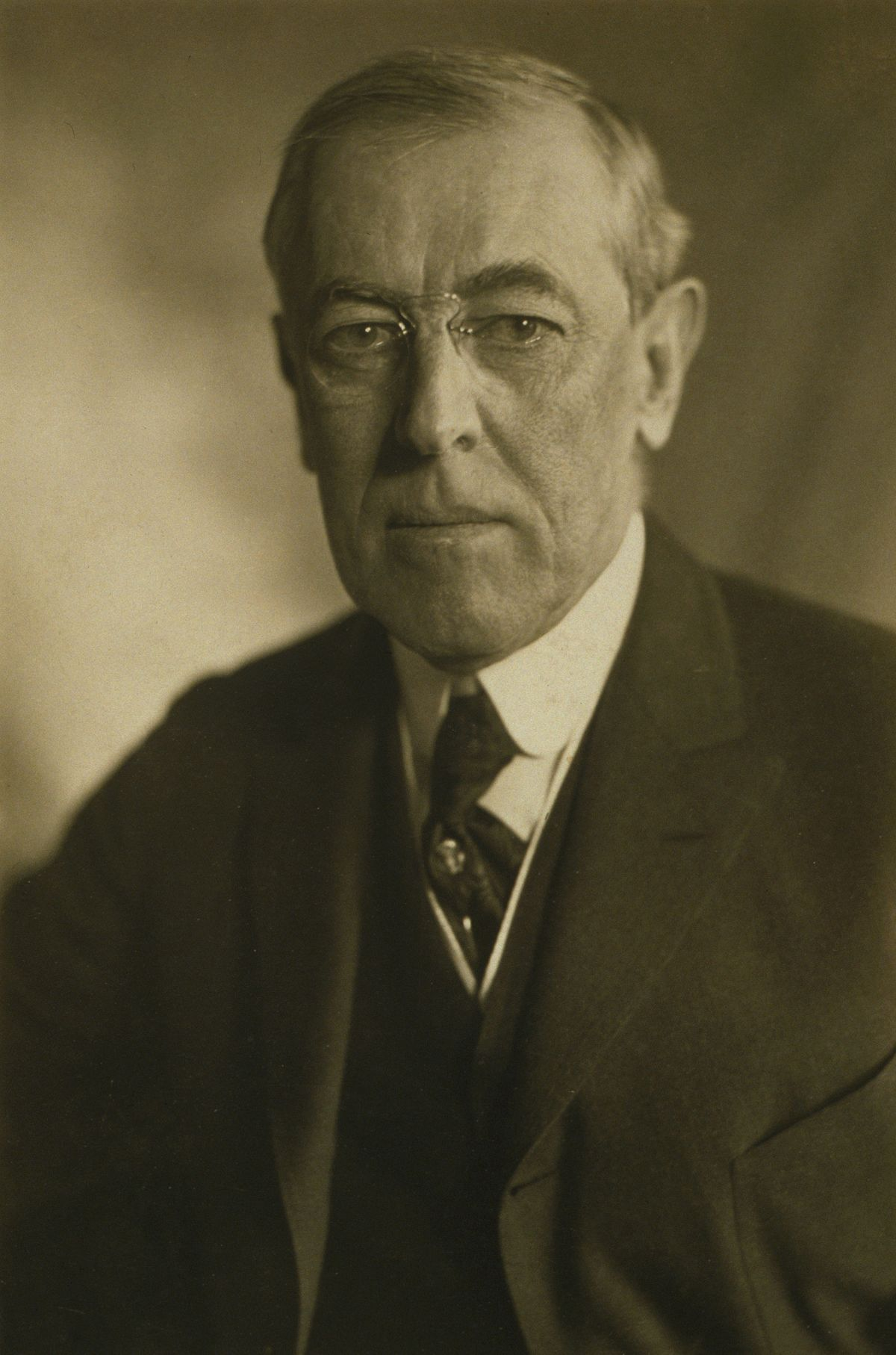 woodrow wilson political Woodrow wilson thomas woodrow wilson, the son of a presbyterian minister, was born in staunton,  wilson had not invented any new political philosophy,.
