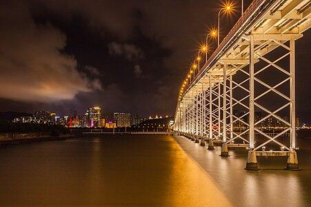 Governador Nobre de Carvalho Bridge to the island of Taipa, Macau