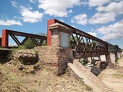 Puente del FCGB sobre antiguo cauce del río Matanza (3).JPG