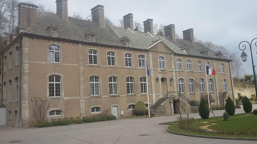 Chateau de Querqueville , devenu en 1935 la mairie