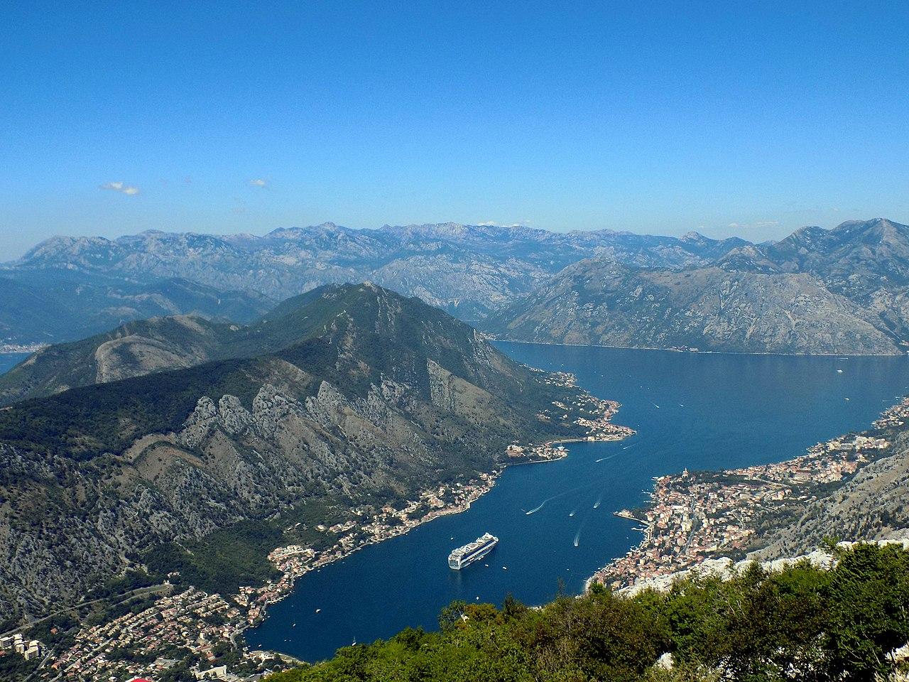 Teluk Kotor, juga dikenal secara lokal sebagai 'Boka Kotorska', atau hanya 'Boka', ditetapkan sebagai Situs Warisan Dunia UNESCO.