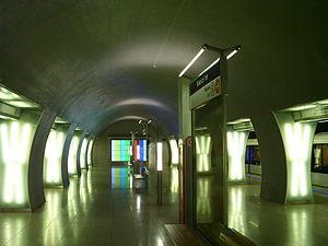 Rákóczi tér (Budapest Metro) - Image: Rakoczi ter metro interior