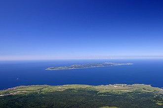 Rebun Island - Image: Rebun island seen from Rishiri island