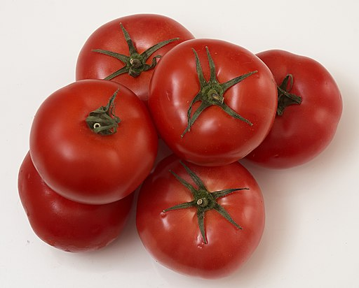 Red tomatoes. img 09