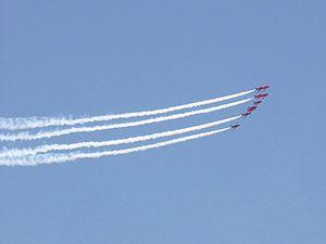 Redarrows 3 - Flickr - edvvc.jpg