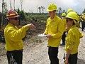 Refuge manager talks fire (6032747467).jpg