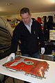 Reichskomissar-skilt funnet av marinarkeolog David Tuddenham.jpg
