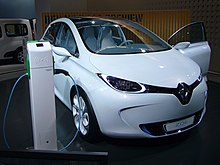 Renault Zoe Preview (front quarter).jpg