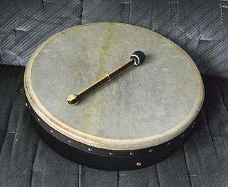 Riddle drum - A modern riddle drum and percussion mallet