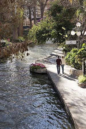 HDR, Inc. - Image: Riverwalk 20