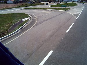 Lane - Turning lane on the Rodovia BR-101 (Brazil)
