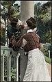 Romantisk par, ca. 1917 (12429331474).jpg