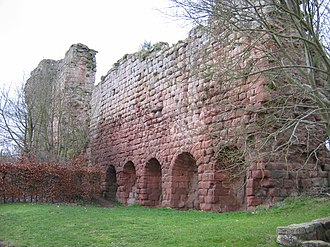 Roslin Castle - The west curtain wall, with the ruined keep beyond.