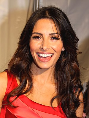 Sarah Shahi - Image: Sarah Shahi cropped and retouched