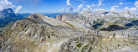 Sas Ciampac Col Turont Mont de Sëura Col dala Pieres Odles Pizes de Puez.jpg