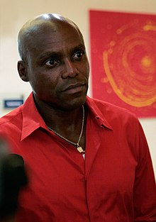 Save The World Awards 2009 press conference - Carl Lewis 2.jpg