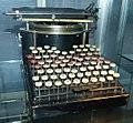 Schreibmaschine Yost 1 TSD.jpg