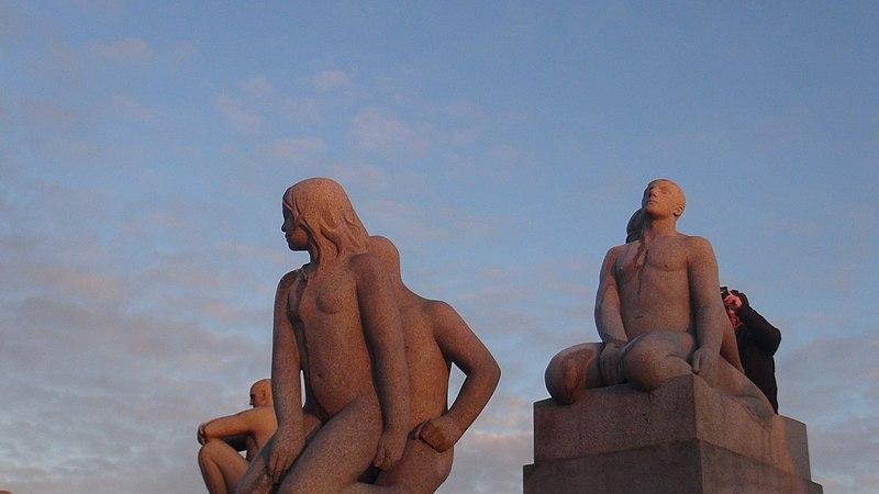 File:Sculptures in Vigeland Sculpture Park 15.jpg