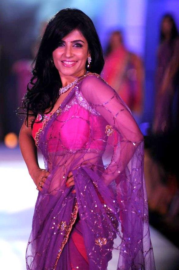 Shibani Kashyap walks for Manish Malhotra & Shaina NC's show for CPAA 10