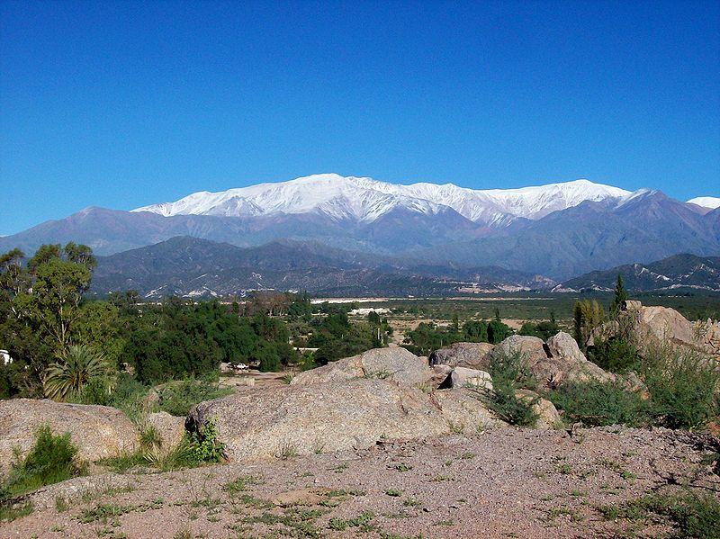 File:Sierras de Famatina Chilecito.jpg