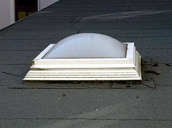English: A modern skylight as a small cuppola ...