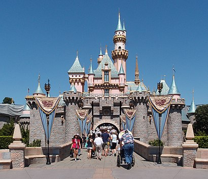 How to get to Disneyland with public transit - About the place