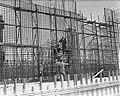 Sluisbouw bij Tiel. Betonijzer vlechten, Bestanddeelnr 903-9412.jpg