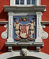 Soest, Rathaus, Über dem mittleren Torbogen das Stadtwappen von Soest.JPG
