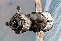 Soyuz TMA-6 spacecraft.jpg