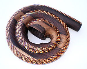 Modern didgeridoo designs - The spiral didgeridoo is a type of non-traditional didgeridoo with similarities to a natural horn