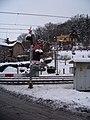 Srbsko, železniční přejezd, signalizace.jpg