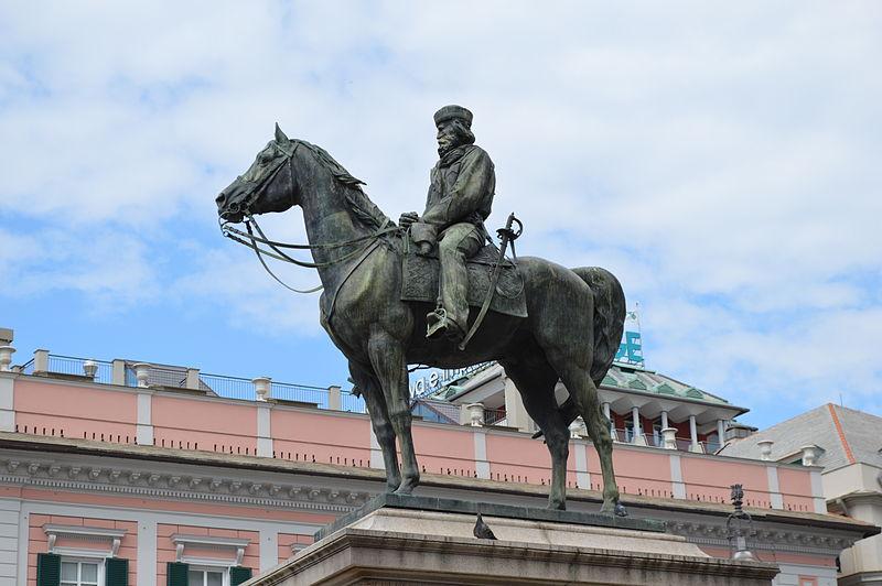 File:Statua Garibaldi lato sinistro.JPG