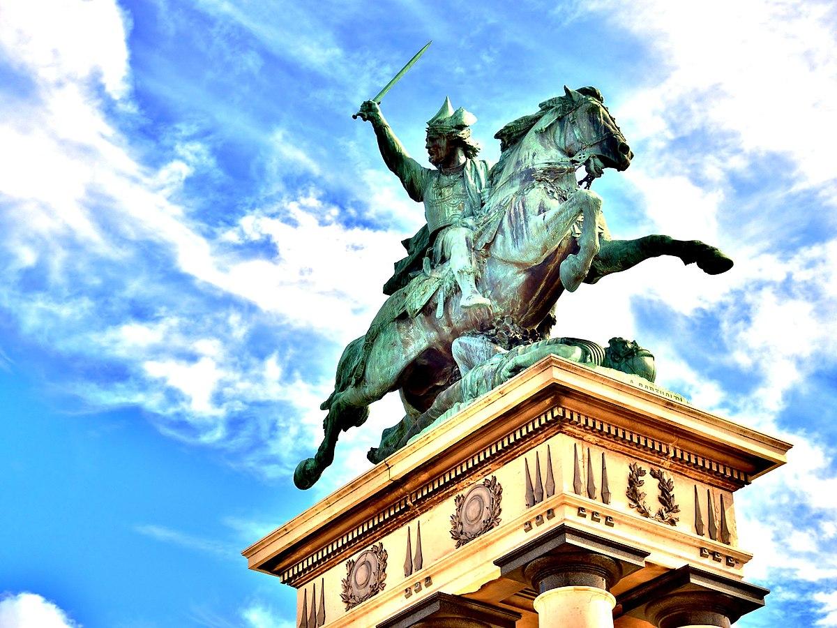 equestrian statue of Vercingetorix