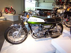 1972 Suzuki T500J in Cascade (or Verdoro) Green and Egret White