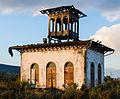 Teepavillon des Weingutes Bürklin-Wolf nach dem Großbrand am 04.11.2014.jpg