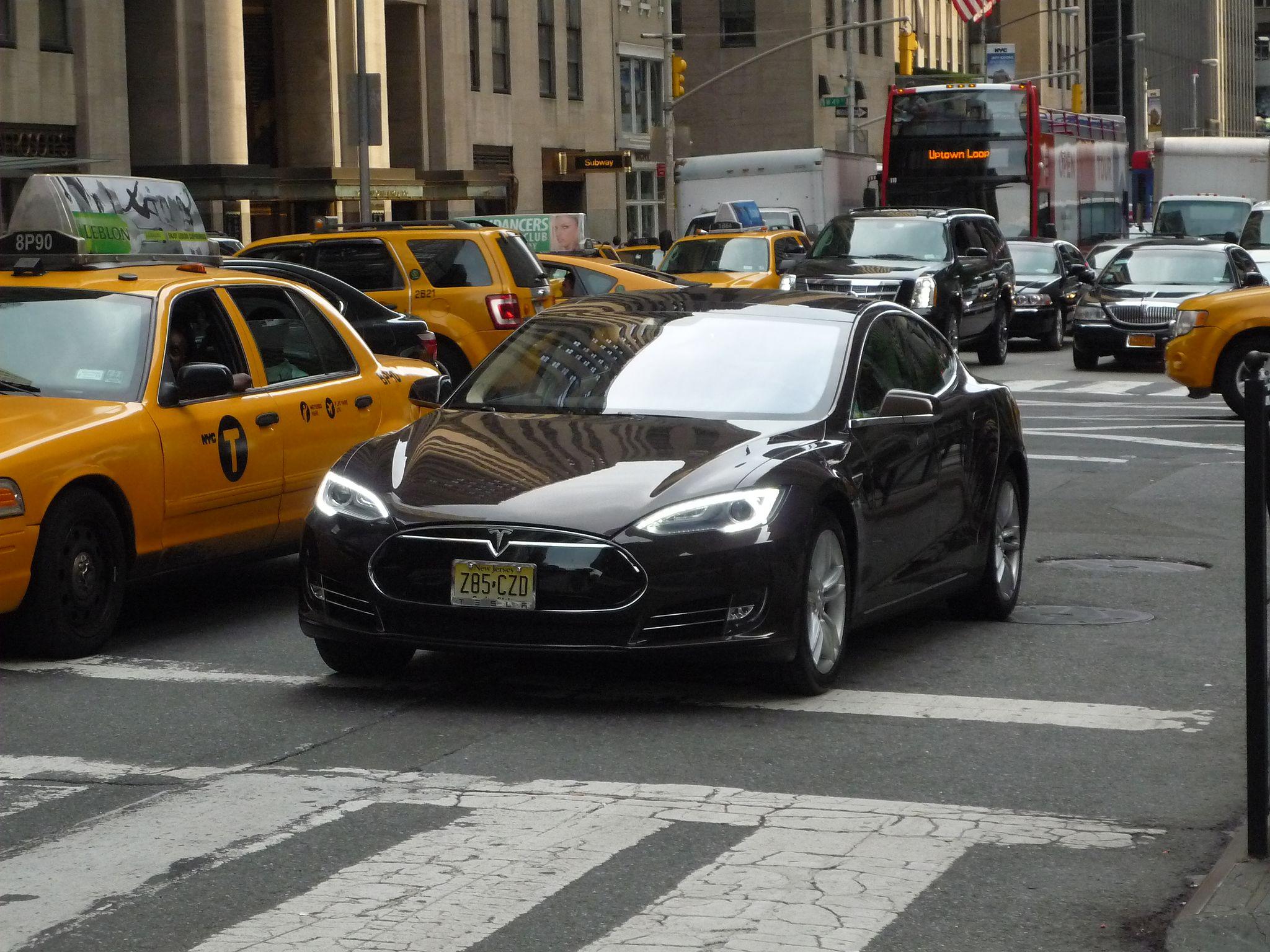 Tesla Model S (16238321201)
