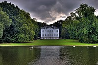 The Château Malou in Park Malou, Brussels (3975302214).jpg
