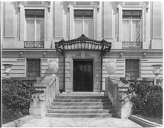Cosmos Club - Facade of the Townsend house (later home of the Cosmos Club), 1915, photograph by Frances Benjamin Johnston