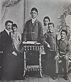 The brothers and sisters of the Kazenelson family (around 1905).jpg