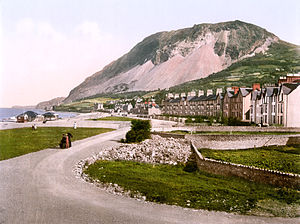 Llanfairfechan - Image: The parade, Llanfairfechan, Wales LCCN2001703510 (colour balance correction)