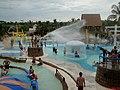 Thermas dos Laranjais, Olímpia. Parque infantil com Canhão de água, Bolha gigante infantil, Tirolesa e ao fundo o Hidro balanço - panoramio.jpg