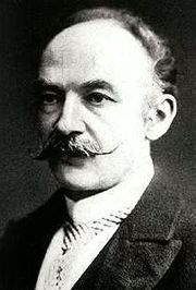 a biography of thomas hardy an english novelist Thomas hardy was born in higher brockhampton, dorset, near the town of dorchester his father was a builder, and played violin in the local church and for local dances his mother, though she had been brought up in poverty and had only a basic education, read widely, and encouraged hardy to do the same.