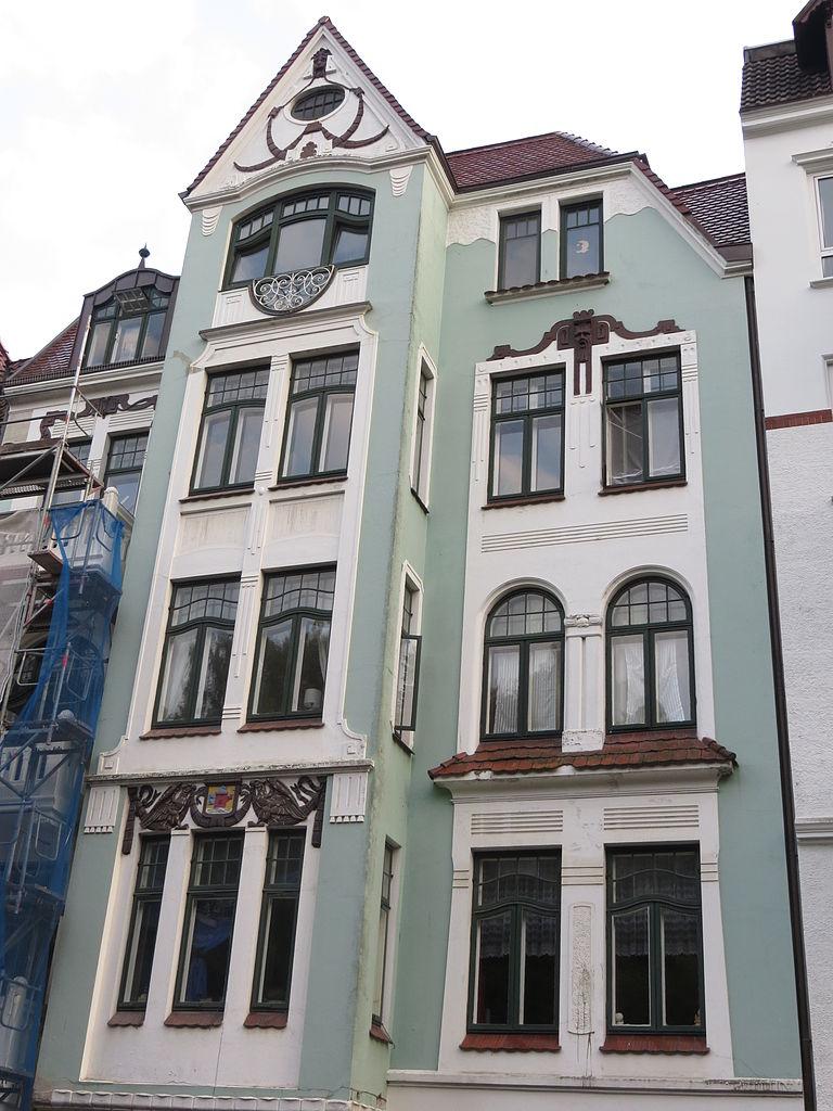 datei toosb ystra e 29 flensburg haus mit wappen bild 1 jpg wikipedia. Black Bedroom Furniture Sets. Home Design Ideas