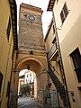 Torre dell'orologio ed arco di ingresso.jpg