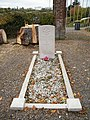 Tortefontaine, Pas-de-Calais, tombe de soldata llié.JPG