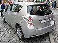 Toyota Verso Platinsilber Heck.JPG